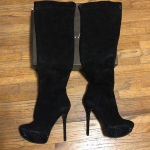 Shoes - Hilag Women's High Heels Boots. Size 7. Black.